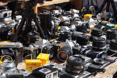 Free Vintage Cameras DLSR In Portobello Market Royalty Free Stock Images - 128742479