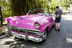 Vintage car in Cuba Royalty Free Stock Photos