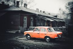 Vintage car in an old yard Royalty Free Stock Photos