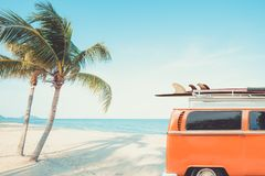 Free Vintage Car Parked On The Tropical Beach Stock Photos - 116687293