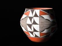 Vintage, cerâmica tradicional do povoado indígeno do nativo americano. foto de stock