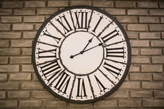 Vintage clock on brick wall Royalty Free Stock Photography