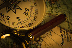 Vintage compass with rope Royalty Free Stock Photos