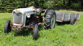 Vintage country tractor Royalty Free Stock Photos