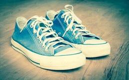 Vintage d'espadrille de blue-jean Image stock