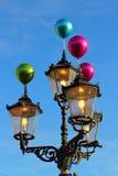 Vintage de las lámparas de calle encendido Imágenes de archivo libres de regalías