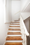 Vintage de madeira das escadas imagens de stock royalty free