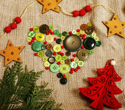 Vintage de madera de la tarjeta de Navidad con los regalos hechos a mano, juguetes, galleta, Imagenes de archivo