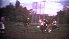 (vintage de 8mm) stratège du football de lycée banque de vidéos