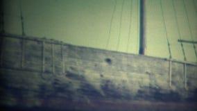 (vintage de 8mm) vieux bateaux sur le rivage clips vidéos