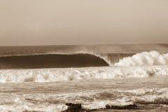 Vintage deixando de funcionar do Sepia da onda de oceano Imagens de Stock
