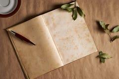 Vintage del cuaderno para la poesía imágenes de archivo libres de regalías