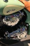 Vintage 2017 del jefe indio de la motocicleta Elementos con las inscripciones y el primer de los emblemas Foto de archivo