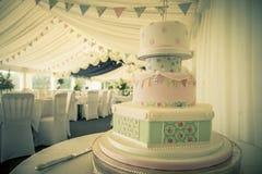 Vintage del pastel de bodas Fotografía de archivo