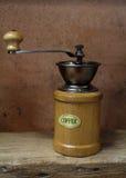 Vintage denominado do moedor de café velho Fotos de Stock Royalty Free