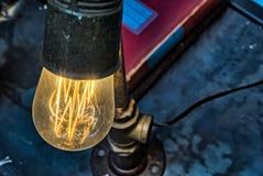 Vintage Edison Light Bulb Fixture antiguo Imágenes de archivo libres de regalías