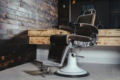 Vintage elegante Barber Chair foto de archivo libre de regalías
