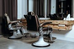 Vintage elegante Barber Chairs fotografía de archivo