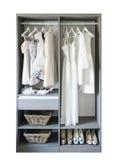 Vintage et intérieur élégant de garde-robe en bois Image stock
