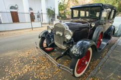 Vintage Ford Model A sur la rue historique de Charleston Photo stock