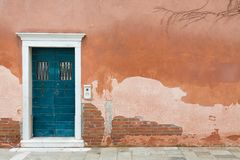 Free Vintage Front Door Venice Royalty Free Stock Image - 163566176