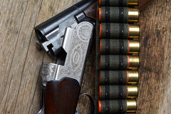 Vintage hunting gun with shells Royalty Free Stock Photos