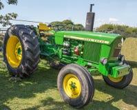Vintage John Deere 20/20 tractor restaurado a su gloria anterior fotografía de archivo