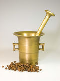 Vintage mortar with spice Royalty Free Stock Images