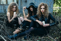 Vintage mujer tres como brujas Fotografía de archivo