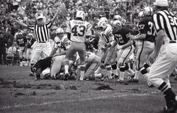 Vintage NFL San Diego Chargers contra Oakland Raiders, o 13 de outubro de 1968 imagens de stock
