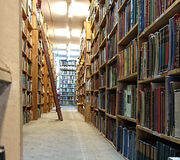 Interior vintage old library Royalty Free Stock Photos
