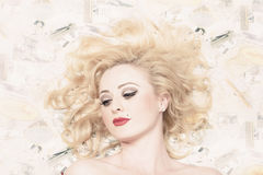 Vintage pinup girl with classic blond hair style Royalty Free Stock Photos