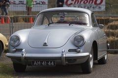 Vintage Porsche metálica de plata fotos de archivo