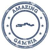 Vintage que sorprende el sello del viaje de Gambia con el mapa Fotografía de archivo