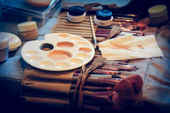 vintage Set of professional make up palette and brushes Royalty Free Stock Photos