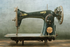 Free Vintage Sewing Machine Royalty Free Stock Image - 52618756