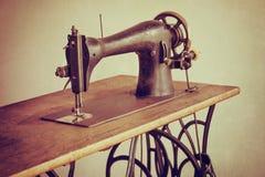 Free Vintage Sewing Machine Royalty Free Stock Photos - 56384138