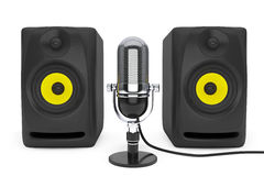 Vintage silver microphone and Audio Speakers. 3d rendering Royalty Free Stock Photos