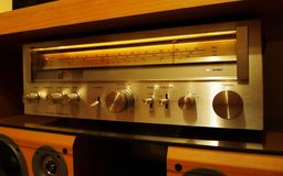 Vintage stéréo d'amplificateur rétro Photographie stock