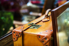 Vintage suitcase in antique shop, Bruxelles Royalty Free Stock Images