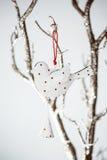 Vintage Toy Bird do Natal em um ramo de prata Imagem de Stock Royalty Free