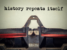 Free Vintage Typewriter History Repeats Itself Text Stock Photography - 88948682