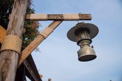 Vintage velho da lâmpada da lanterna Imagens de Stock Royalty Free