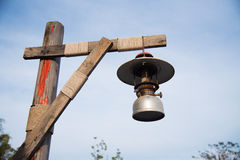 Vintage velho da lâmpada da lanterna Fotografia de Stock Royalty Free