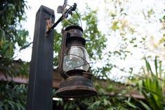 Vintage velho da lâmpada da lanterna Fotos de Stock Royalty Free