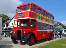 Vintage Vermelho Dobro Decker Bus Restored Northanpton Transport Corporaçõ imagens de stock