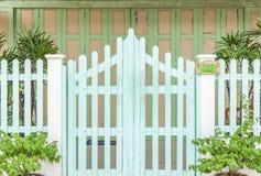 Vintage, vieille barrière de maison photo libre de droits