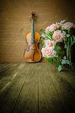 Vintage violin on old steel background Royalty Free Stock Photos