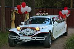 Vintage wedding car decorated Royalty Free Stock Photos