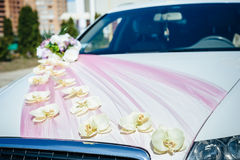 Vintage Wedding Car Decorated with Flowers Royalty Free Stock Images